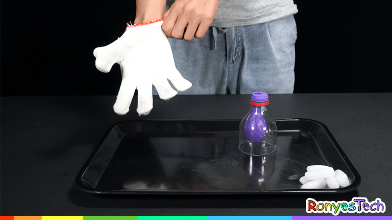 Dry Ice Balloon Pop | Science Activity Step1