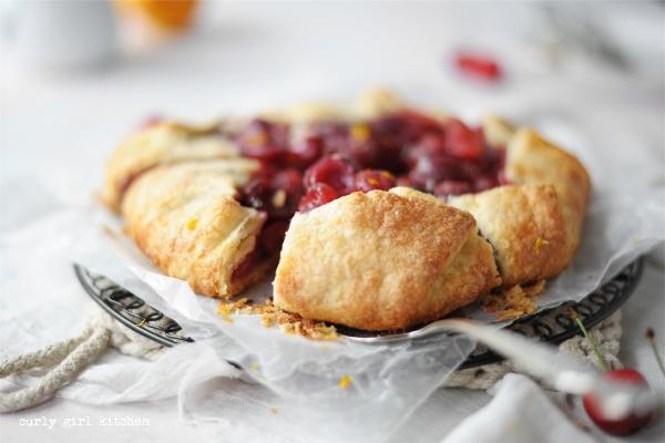 Pie Dough Recipe, Perfect Pie Dough, Butter Pie Dough Recipe, Pie Dough Tutorial, Homemade Pie Dough, Pie Photography, Cherry Galette, Cherry Pie