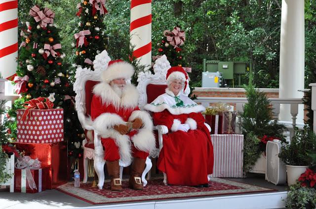Papai e Mamãe Noel - Natal no parque Disney Epcot em Orlando