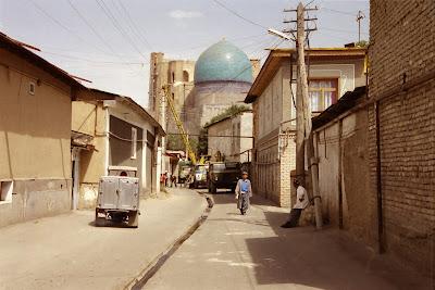 Ouzbékistan, Samarcande, rue Chorraha, © L. Gigout, 2001