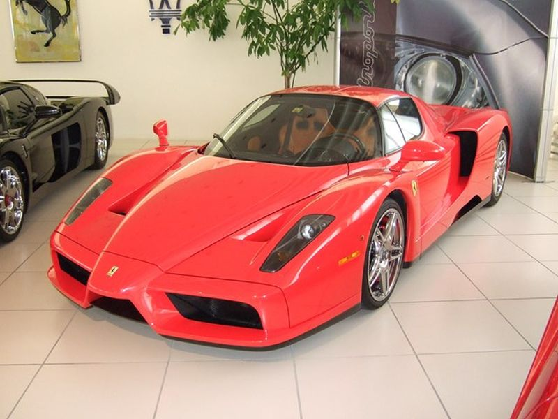 Michael Schumacher Misstet Garage Aus Ferrari Enzo Und Ferrari Fxx Zu Verkaufen Myauto24 Das Autoblog Im Internet Myauto24