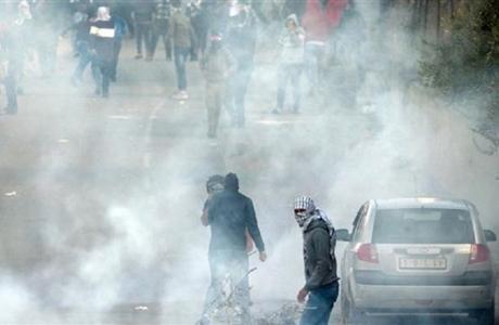 Pasukan Zionis Gunakan Gas Beracun untuk Bubarkan Demonstrasi