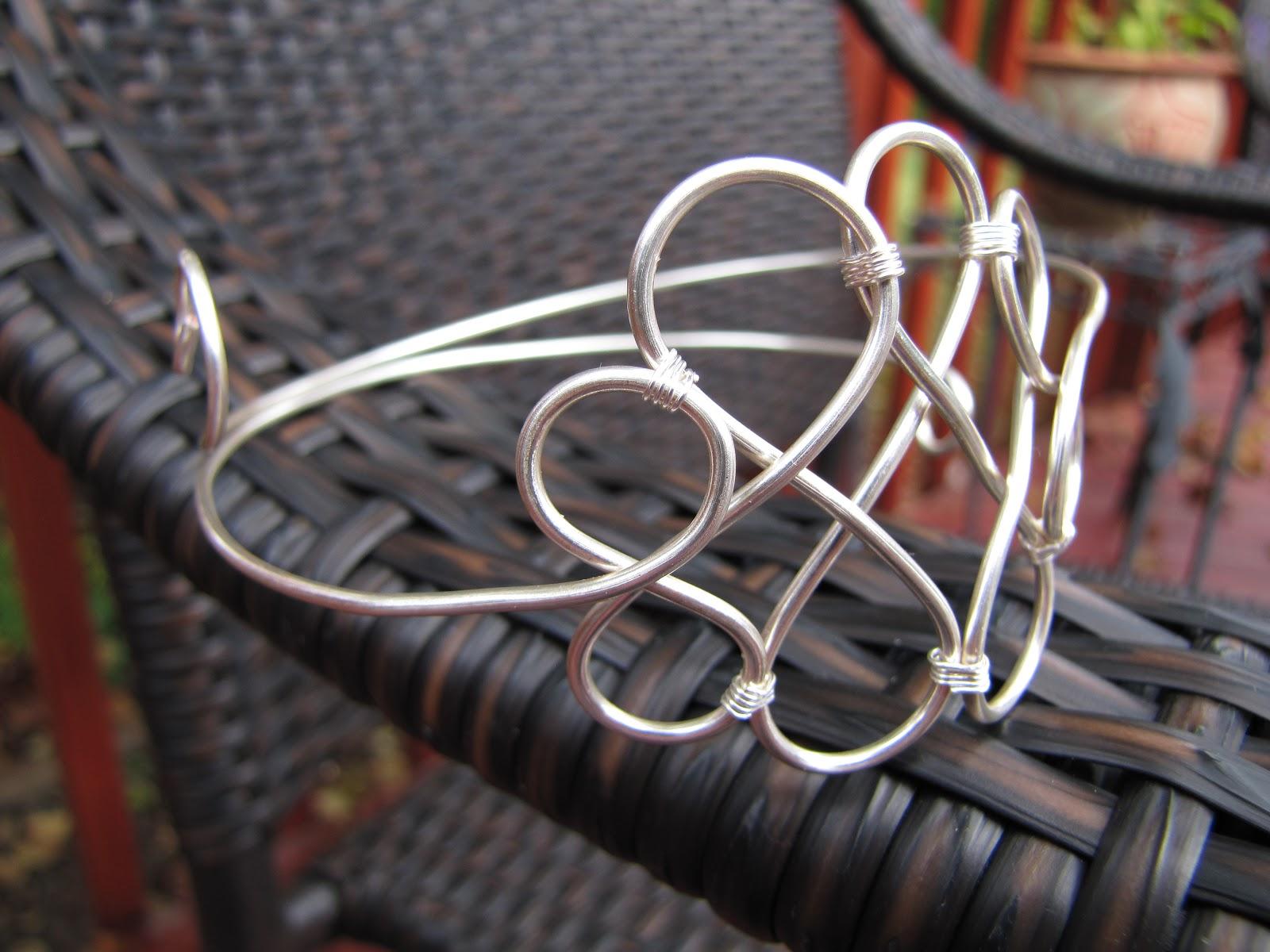happley made: Celtic Knot Arm Cuff