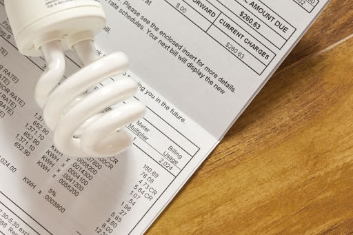 Mais de 300 mil famílias estão recebendo desconto nas contas de energia em Alagoas