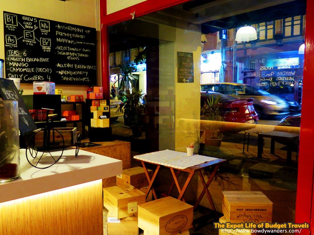 bowdywanders.com Singapore Travel Blog Philippines Photo :: Singapore :: Drury Lane Café: Anything but a Theater Royal
