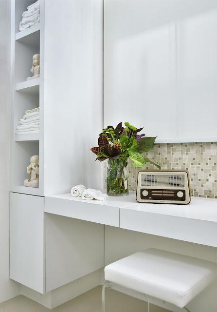 banheiros- com- penteadeira-arquitetura-decoração-feminina