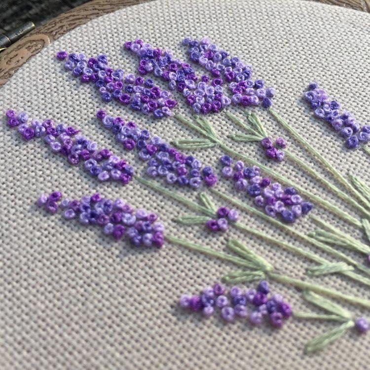 Mẫu thêu hoa lavender bằng mũi thêu sa hạt