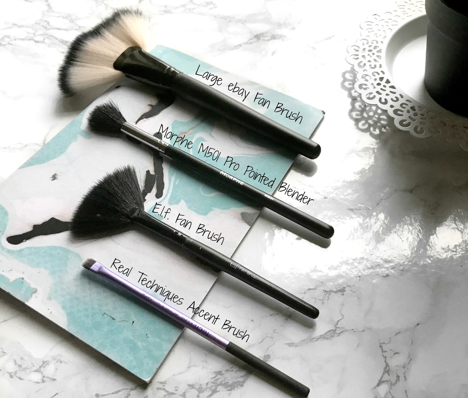 blog bout beauty highlighter mua make up brushes