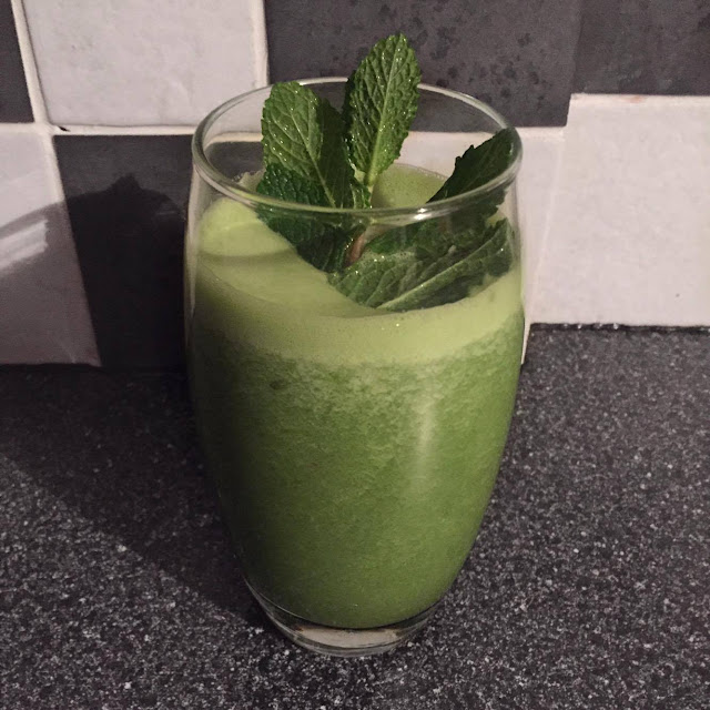 homemade healthy smoothie