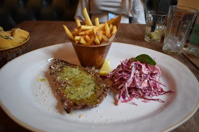 Jamie's Italian Super Lunch steak and fries