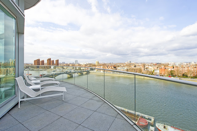 Picture of the garden furniture on the balcony of the London penthouse overlooking the city across the river
