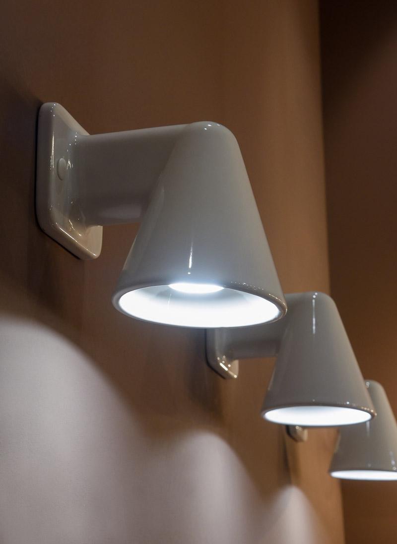 lampada da parete collezione LUX di Ceramica Flaminia