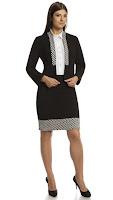 Costum business, de culoare neagra, cu garnitura in carouri