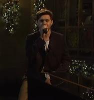 Niall Horan dengan satu lagu bagus di penghujung tahun  Lirik Lagu Put a Little Love on Me - Niall Horan dan Terjemahan