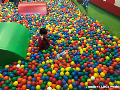 Center Parcs Erperheide giant ball pit