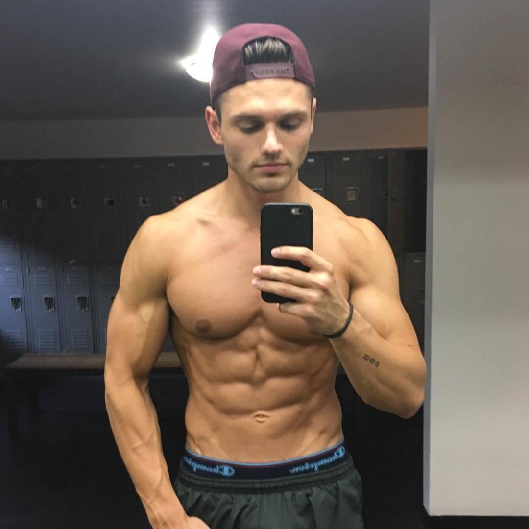 shirtless-sexy-locker-room-bad-boys-chris-clark-abs-pecs-selfie