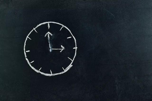 manusia hidup di batasi waktu