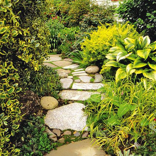 Stone Paths In Gardens: Casual Casa: Benefits And Beauty Of DIY Stone Garden Paths
