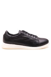 bayan casual siyah ayakkabı