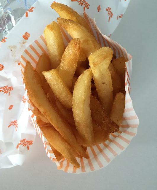 Mr Burger, hamburger, chips