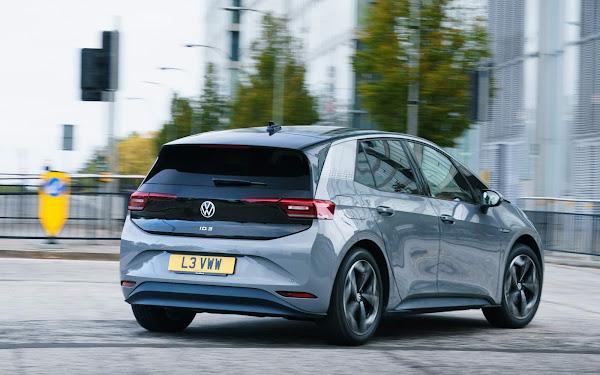 VW ID.3 eleito melhor familiar elétrico na Inglaterra