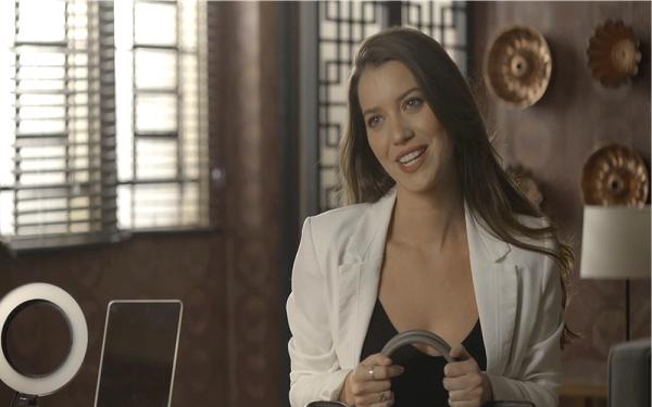 Fabiana faz exigências a Britney (Imagem: Reprodução/TV Globo)