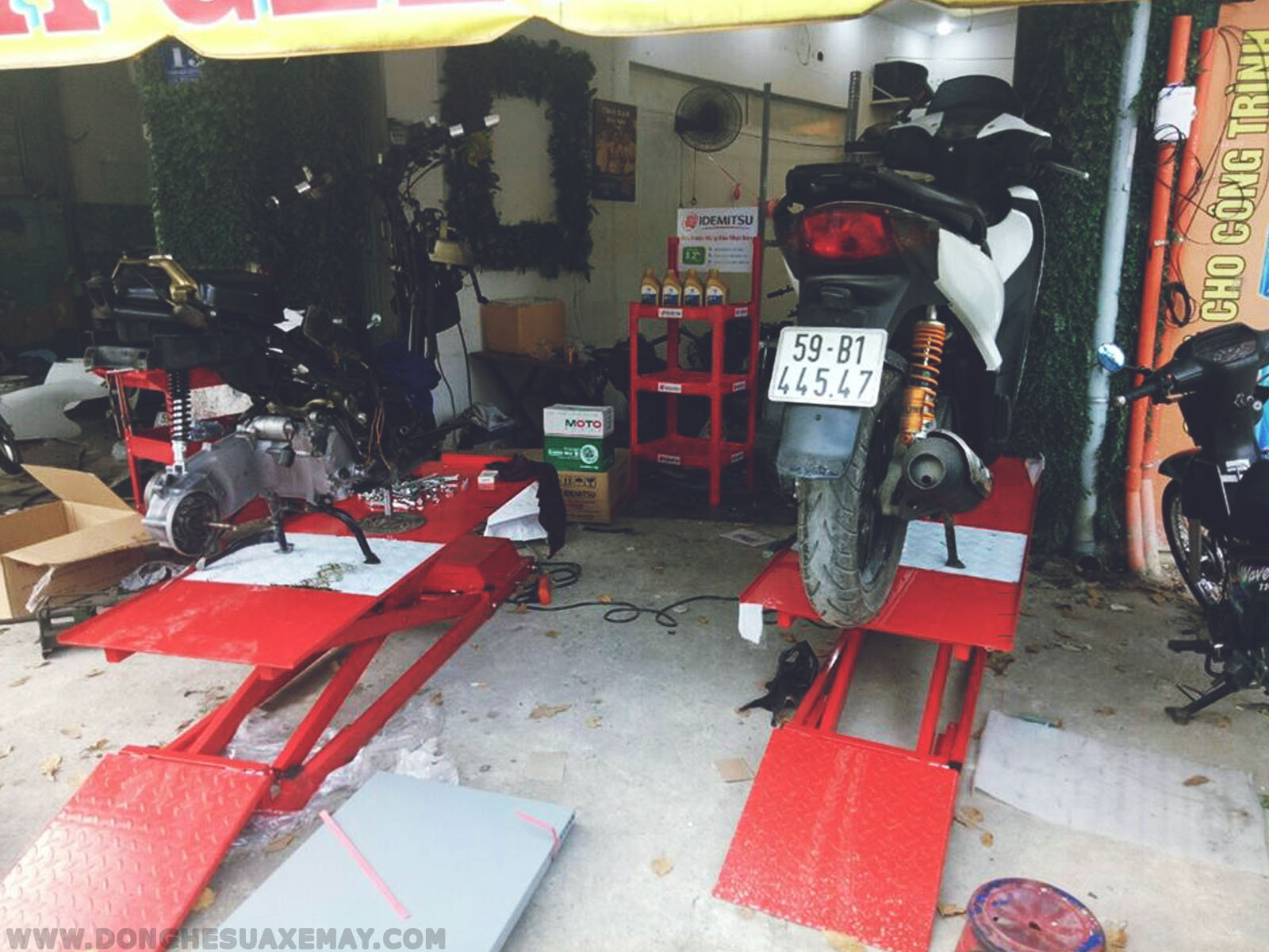 giá bán bàn nâng xe máy, bàn nâng xe máy, bàn nâng sửa chữa xe máy, bàn nâng đỡ xe máy, bàn nâng xe máy giá rẻ, bàn nâng xe máy đạp chân, bàn nâng xe máy bằng điện, bàn nâng sửa chữa xe máy giá rẻ