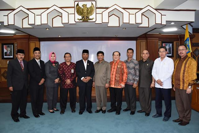 Wagub Dan Komisi XI DPR-RI Bahas Pembangunan Kawasan