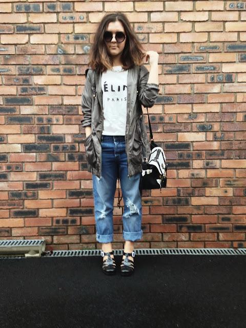 badf5cec30cf tshirt - eBay, parka - New Look, jeans and sandals - Asos, satchel - River  Island, chain - H&M