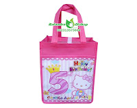 tas ultah anak hellokitty,tas souvenir ultah hellokitty,tas ultah murah,tas ultah foto,tas ulang tahun custom,