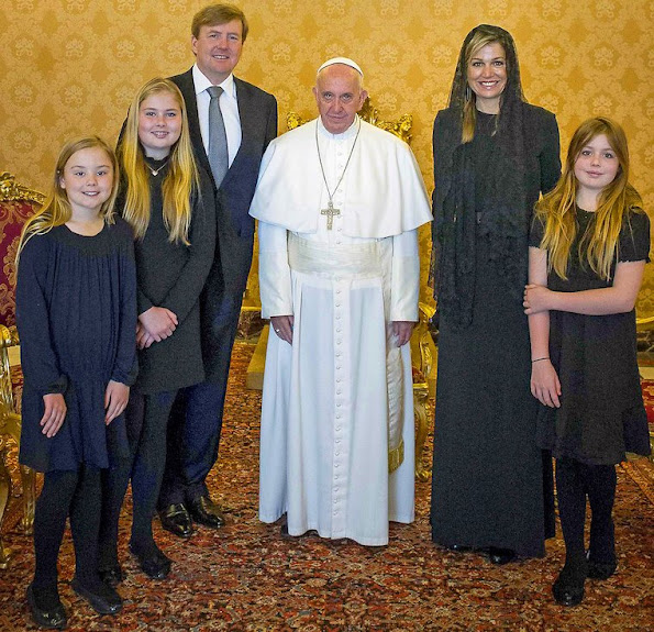 King Willem-Alexander, Queen Maxima, Princess Catharina-Amalia, Princess Alexia and Princess Ariane met with the Pope in Vatican