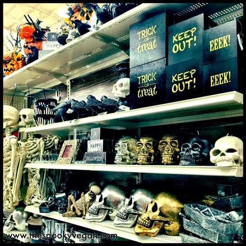 lots of gold and platinum skulls - Michaels Halloween