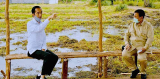 Ingat Perjuangan Pilpres, Sedih Lihat Prabowo Yang Fokus Catat Arahan Jokowi