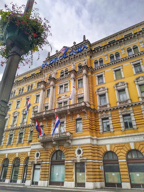 budynek Jadrolinija Chorwacja, biuro promów