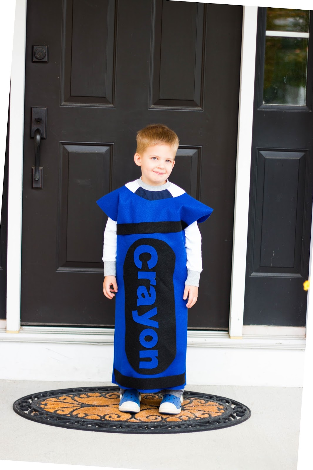 crayon halloween costume. Crayon box costume DIY. Crayola Stencil for costume. DIY Crayon hat template. DIY crayon costume with tutu. DIY crayon costume Shirt. Crayon hat printable. Crayon tip hat template. Baby crayon costume.