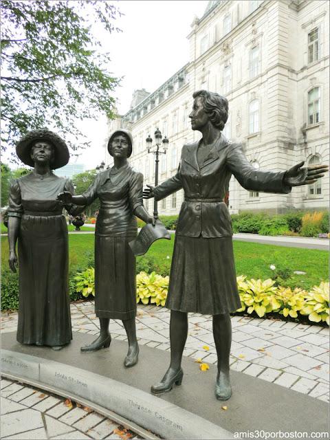Monumento de Jules Lasalle a las Mujeres en el Parlamento de Quebec