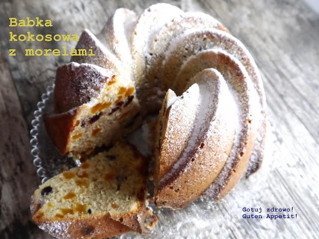 Babka kokosowa z suszonymi morelami i żurawiną - Czytaj więcej »