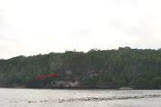"""Menakjubkan !....Seperti Cap Lafaz """"ALLAH"""" Di Tebing Pantai Timur Pulau Selayar"""