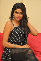 Akshida in Black Tank Top at Kalamandir Foundation 7th anniversary Celebrations ~  Actress Galleries 106.JPG