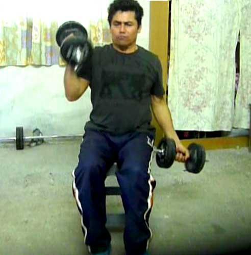 Curl de bíceps con mancuernas