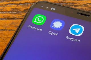 أي تطبيقات المحادثة أفضل واتساب أم تيليجرام أم سيجنال؟