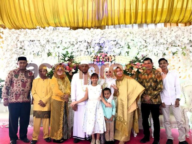 Meriah, Dirut PT IRJ hadiri Resepsi Pernikahan Karyawannya
