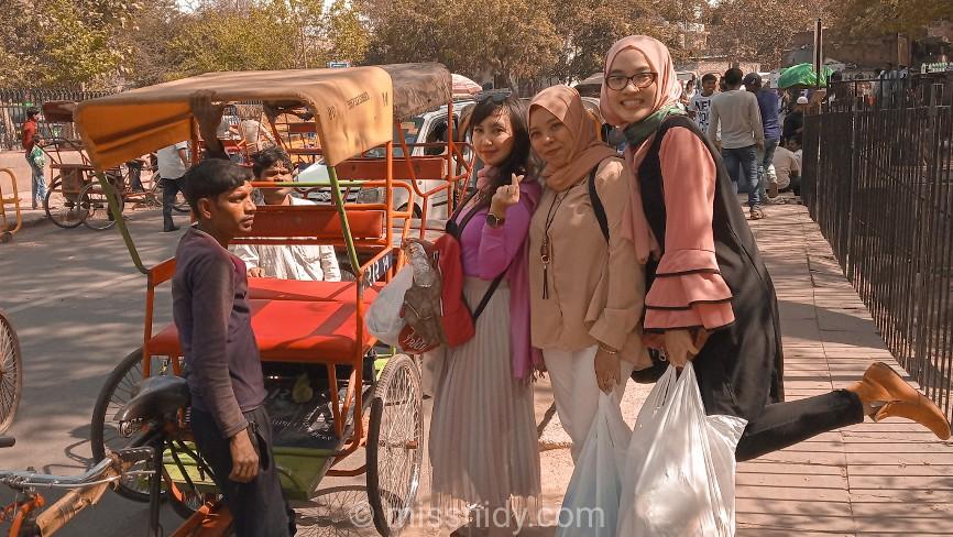 pengalaman naik tuktuk di chandni chowk