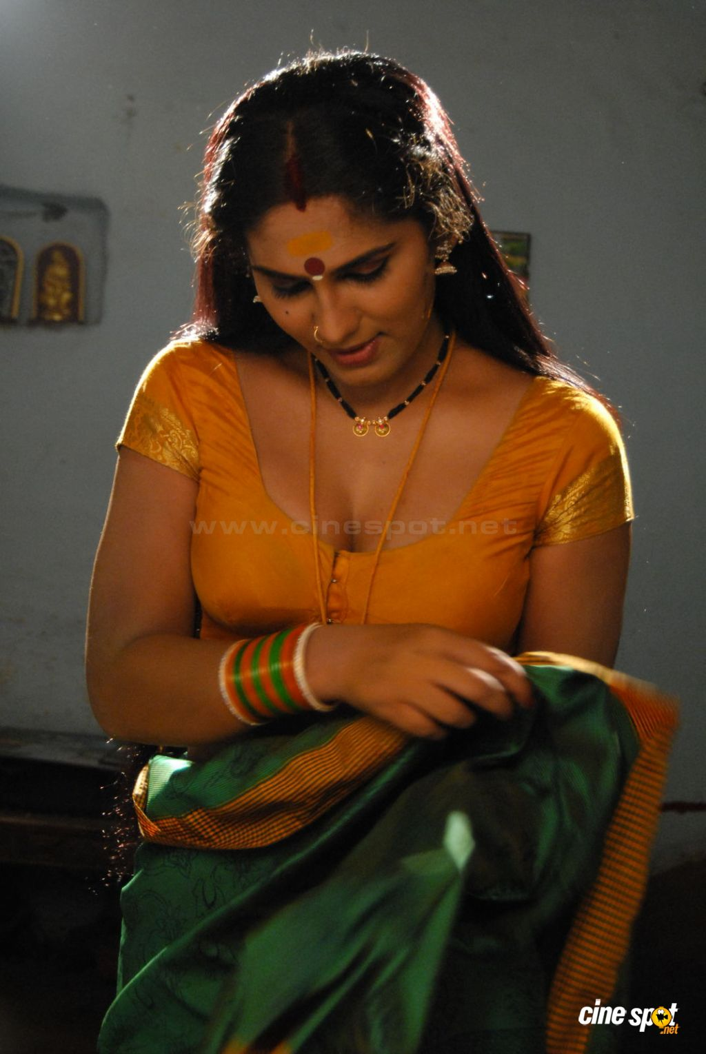 Endless Wallpaper Kannada Hot Actress-7058