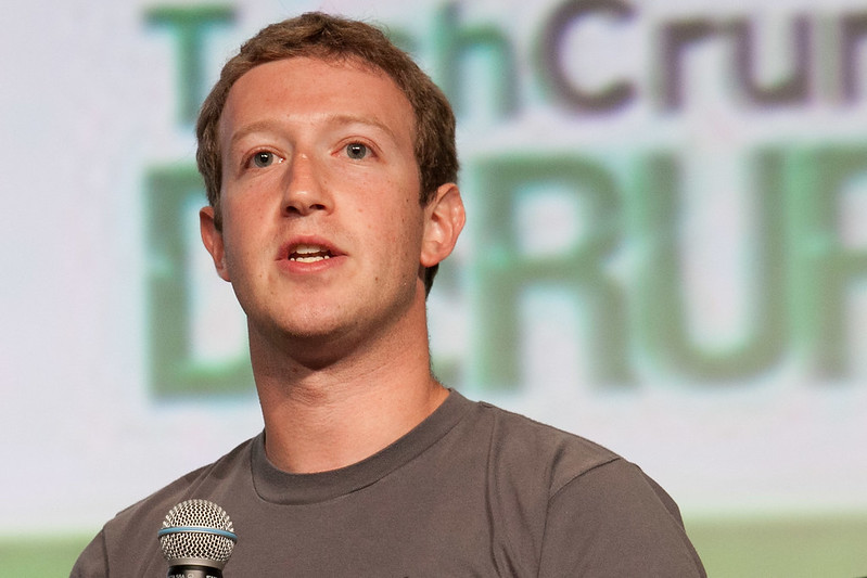 Mark Zuckerberg phone number leaked; uses Signal App