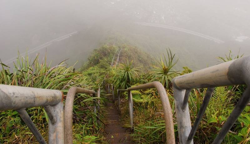 Stairs of Haiku Stairway, Hawaii, USA
