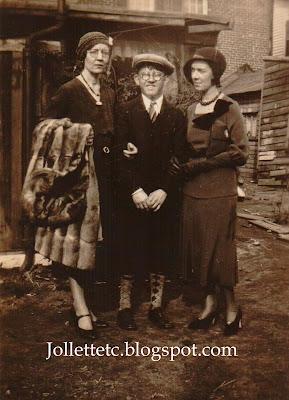 Lillie Killeen, William Glynn, Margaret Glynn 1932 https://jollettetc.blogspot.com