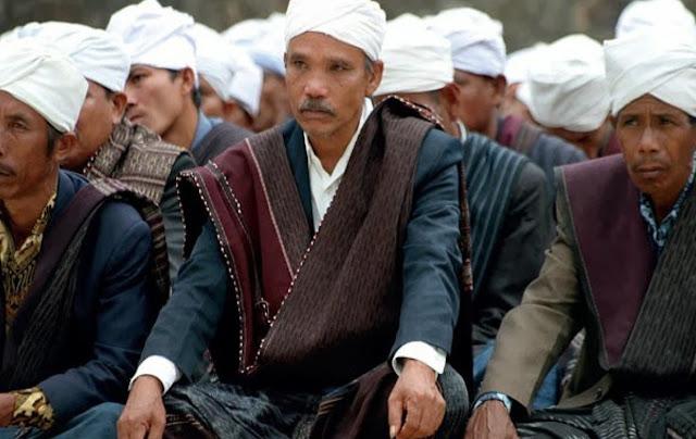 Parmalim : Agama Asli Orang Batak yang Mengharamkan Babi