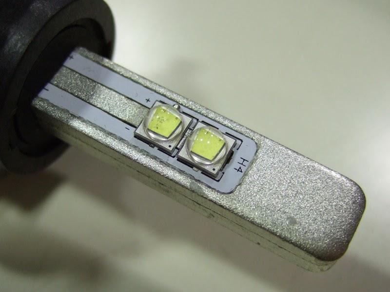 sphere-light-LED H4 発光部拡大。この小さなLEDチップがイイ仕事します。