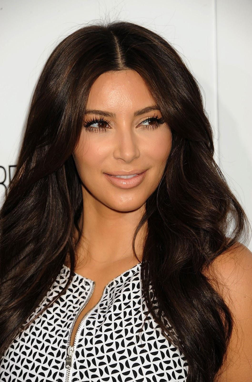 Kim Kardashian Interviews Kylie Jenner About Her Best: SPICY SNAP !: Kim Kardashian At E! Upfront Presentation In